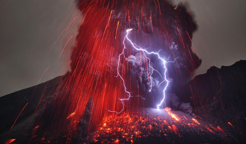 6 caters lightning volcano eruption 10 jpg 184147